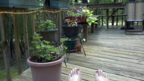 porch'n'toesies/poconos/july 2012