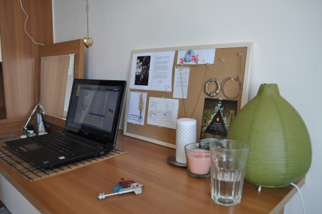 desk/the crib, taipei/dec 2012