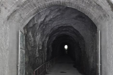 trail entrance/taroko, taiwan/jan 2013