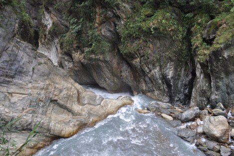 rushing river/taroko, taiwan/jan 2013
