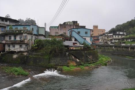 this river reminded us of parisian canals!/pingxi, taiwan/jan 2013