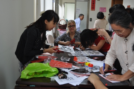 one of my teachers (!) leading karigami workshop/iclp, taipei/feb 7, 2013