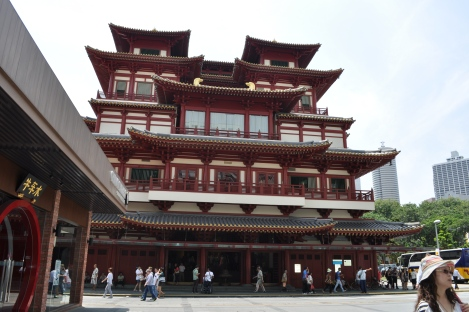 buddha tooth relic temple/singapore/march 2013