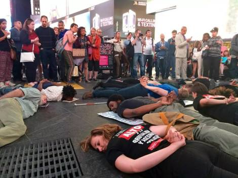 Die-in for Jonathan Ferrell \\ APPLES+AZALEAS