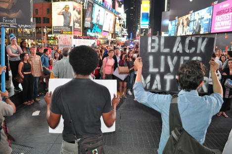 Peoples Monday takes Times Square for #BlackLivesMatter \\ APPLES&AZALEAS